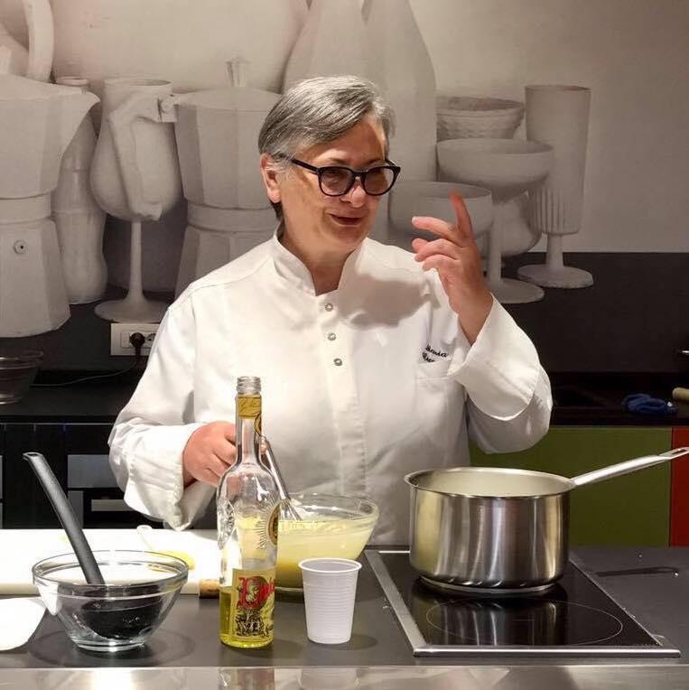La puglia in cucina donna monica caradonna - La cucina di monica ...